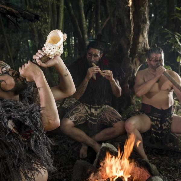 EXCURSIONES EN ROTURUA - Tamaki Maori Village-Hangi & Concert