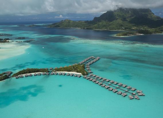 Hoteles en Polinesia - The St. Regis Bora Bora Resort